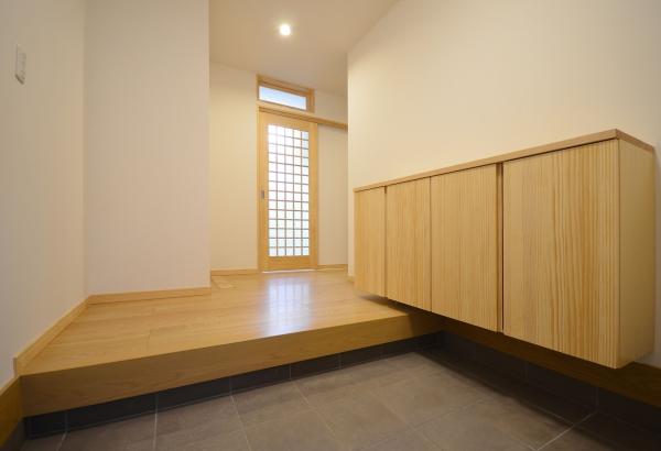 玄関 富山市の高性能住宅 タケダ建創
